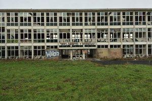 Οι «θησαυροί» ενός εγκαταλειμμένου νοσοκομείου
