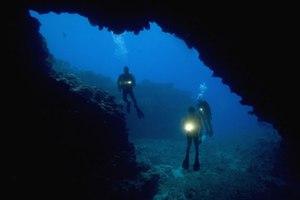 Υποβρύχια σπήλαια για περιπετειώδεις τύπους