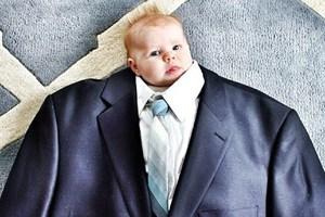 Μωρά με... κοστούμια
