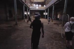 Τι κάνει ένα... τσίρκο σε ένα εγκαταλελειμμένο εργοστάσιο