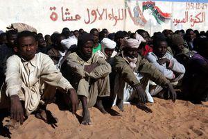 «Έτοιμοι να περάσουν τη Μεσόγειο 600.000 Αφρικανοί μετανάστες»