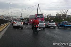Χαμηλές ταχύτητες στην Αθηνών-Λαμίας λόγω βροχής