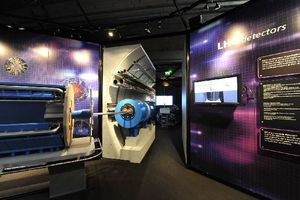 Παρουσιάστηκε η διαδραστική έκθεση του CERN