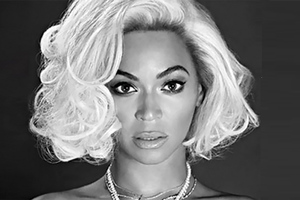 Η Beyoncé ποζάρει τόπλες σαν άλλη Marilyn Monroe
