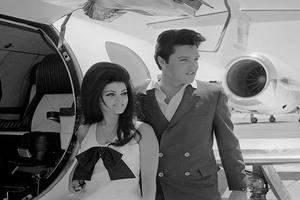 Εντυπωσιακές vintage φωτογραφίες από Celebrities στο αεροδρόμιο