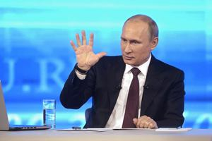 Με ταχείς ρυθμούς το ρούβλι στην Κριμαία
