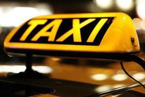 Σε θέσεις μάχης τα ταξί