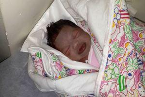 Νεογέννητο σώθηκε από τουαλέτα νοσοκομείου στην Κίνα