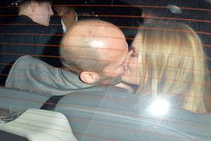 Τα καυτά φιλιά του Jason Statham με την Rosie Huntington Whiteley