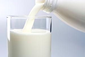 Γάλα για τα αφυδατωμένα μαλλιά