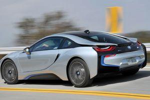 Τον Ιούνιο το BMW i8