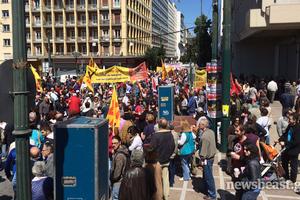 Στην πλατεία Κλαυθμώνος οι απεργοί των ΓΣΕΕ- ΑΔΕΔΥ