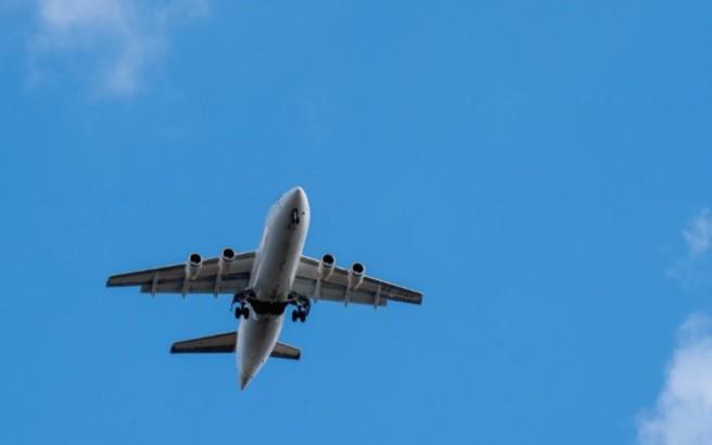 Αεροσκάφος έκανε αναγκαστική προσγείωση, επειδή χτυπήθηκε από κεραυνό