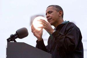 Τον πρόεδρο των ΗΠΑ θα βραβεύσει το «Ίδρυμα για το Ολοκαύτωμα» του Σπίλμπεργκ