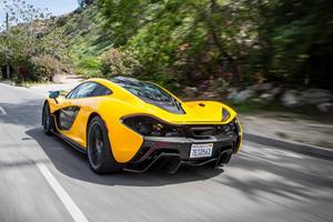 «Βολτίτσα» με τη νέα McLaren P1