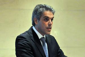 «Ο Κακλαμάνης… διασπά τους κεντροδεξιούς ψηφοφόρους»