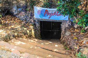 Μία σπηλιά για... τρελά γλέντια
