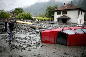 Επιδιορθώνονται οι ζημιές από τις πλημμύρες στη Σερβία
