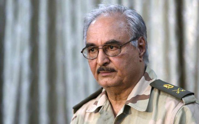 Λιβύη: Ο Χαλίφα Χάφταρ απειλεί με ολοκληρωτικό χάος