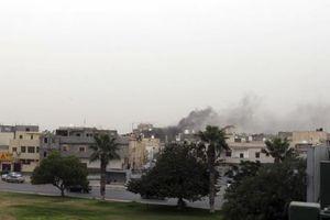 Νέο σφυροκόπημα του αεροδρομίου της Τρίπολης