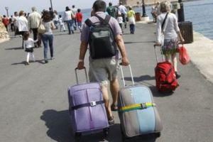 Άφησαν… «ξεκρέμαστους» τους τουρίστες
