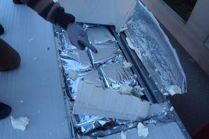 Εντόπισαν 700 κιλά χασίς σε φορτηγό-ψυγείο
