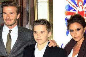 Ο γιος των Beckham εργάζεται σαν σερβιτόρος τα Σαββατοκύριακα
