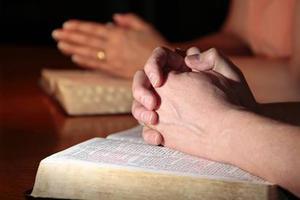 Από τους ανθρώπους των σπηλαίων στη θρησκευτική πίστη