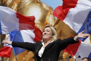 Η Λεπέν θα κέρδιζε τον Ολάντ εάν διεξάγονταν προεδρικές εκλογές στη Γαλλία