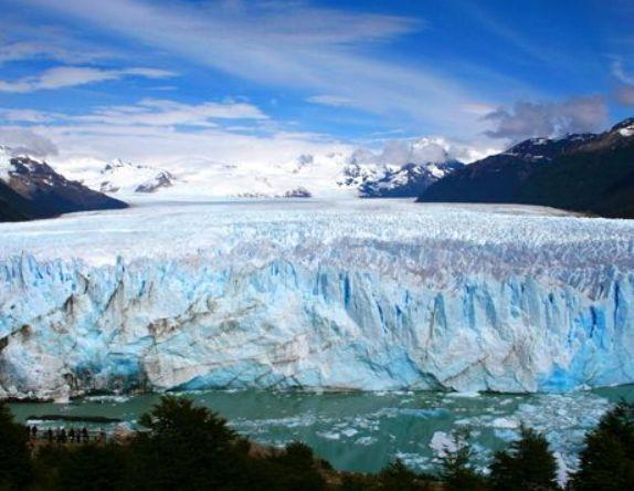Ο παγετώνας Perito Moreno στην Παταγονία (Αργεντινή)