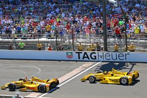 Απίστευτος τερματισμός στο Indy 500
