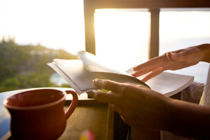 Γιατί πρέπει να διαβάζουμε πιο συχνά βιβλία