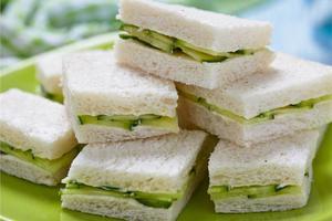 Το λευκό ψωμί «φορτώνει» με περιττά κιλά