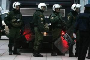 Δεκαέξι συλλήψεις σε Πάτρα, Αττική και Ρόδο για την οπαδική βία
