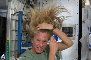 Hairstyling στο διάστημα
