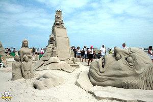 Γλυπτά στην άμμο