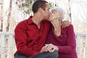 Ο έρωτας τα… 91 χρόνια δεν κοιτά!