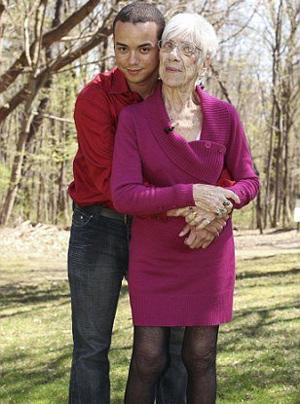 50 χρονών άντρας dating 35 έτος γριά γυναίκα