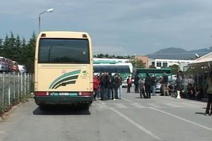 Διαμαρτυρίες για τα ΚΤΕΛ που μεταφέρουν κόσμο στο Άγιο Όρος