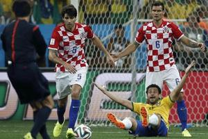 «Είναι σκάνδαλο για την FIFA»