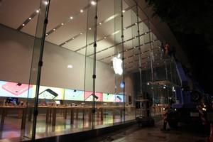 Βίντεο των ετοιμασιών του νέου Apple Store στο Τόκιο