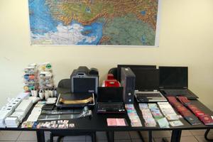 Εργαστήριο πλαστών εγγράφων εντοπίστηκε στην Κυψέλη