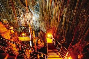 Μια εικονική βόλτα στο Σπήλαιο της Καστανιάς