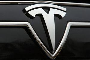 Στην Ελλάδα η Tesla
