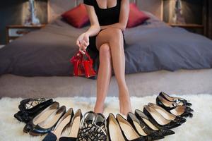 Οι γυναίκες προτιμούν τα παπούτσια από το σεξ a42886f2caf