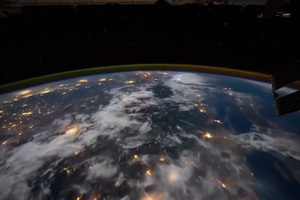 Ο γύρος της γης από το διάστημα