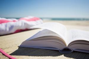 Καλοκαιρινές διακοπές παρέα με τα αγαπημένα βιβλία