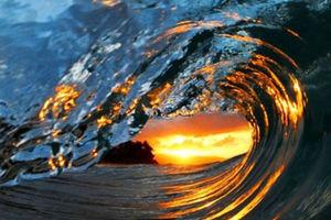 Κύματα έτσι όπως δεν τα έχετε ξαναδεί