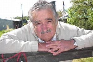 Αποσύρεται λόγω κορονοϊού από τη γερουσία της Ουρουγουάης ο Χοσέ «Πέπε» Μουχίκα