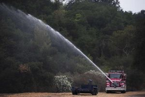 Απειλούνται 380 σπίτια από φωτιά στην Καλιφόρνια